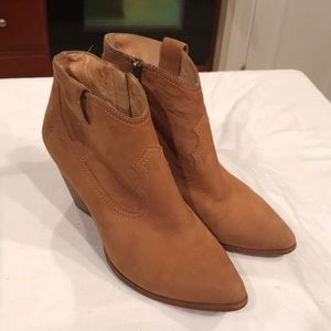 FRYE Reina bootie. Leather upper. Size 8.5. EUC
